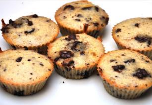 Kek muffin i vogël i mbushur me çokolladë