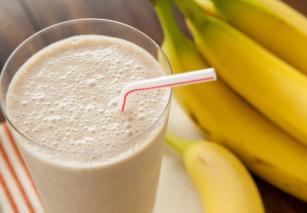 Nutribullet Receta Smoothie me Banane, molle dhe rrush